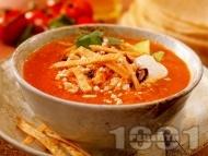 Кето пилешка супа с домати, кориандър и чесън